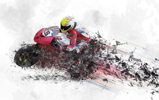 Obrázok motorkára pri rýchlej jazde na motorke